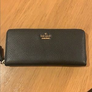 Black leather Kate spade wallet